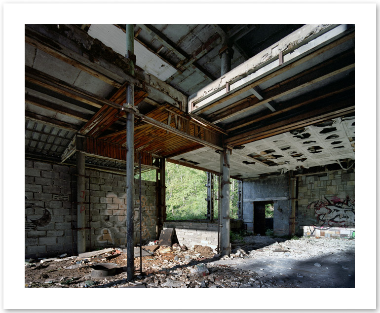 http://tochtermann.fr/files/gimgs/51_abandoned.jpg
